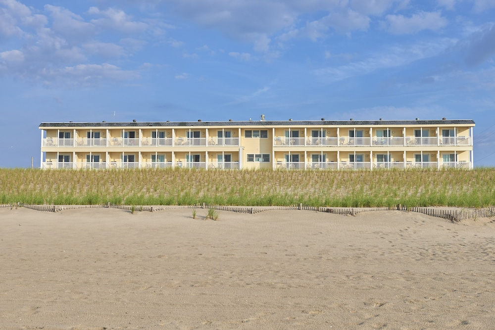 Featured Image, Drifting Sands Oceanfront Hotel
