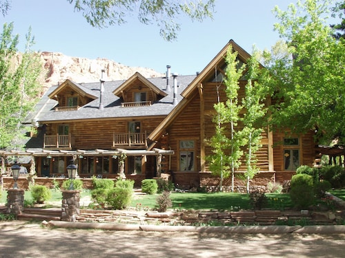 Great Place to stay The Lodge at Red River Ranch near Torrey