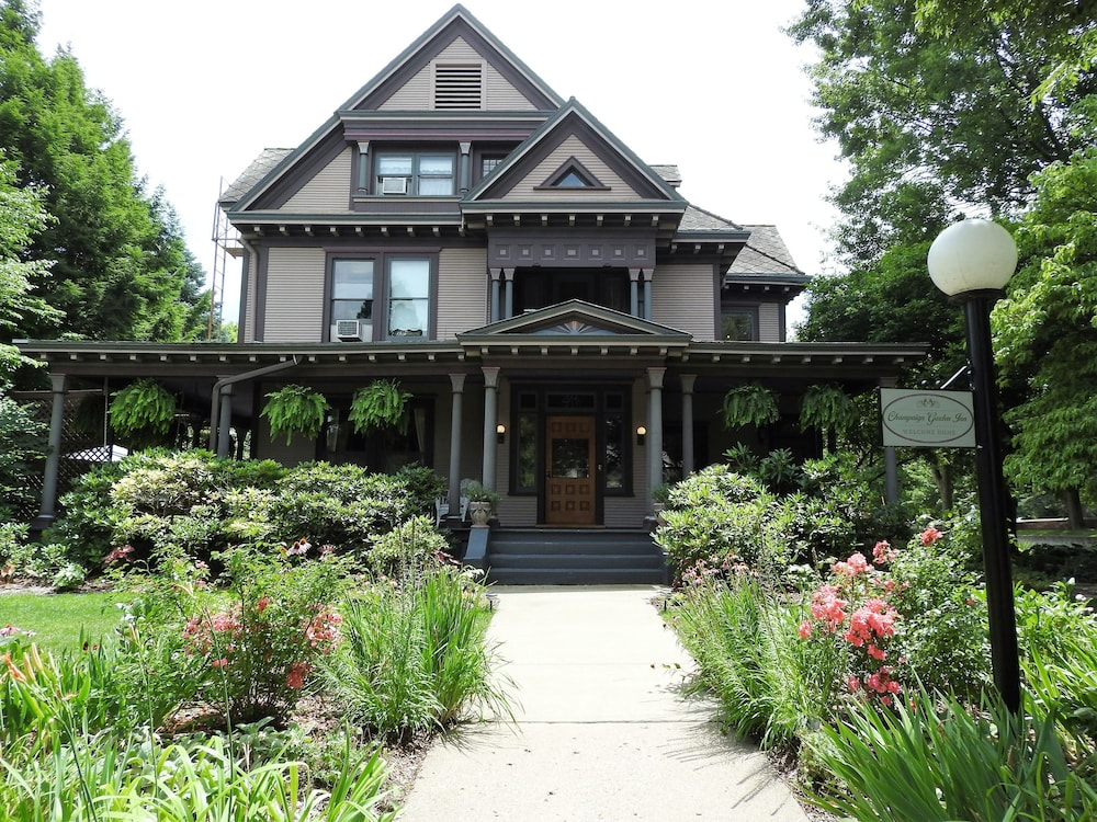 Champaign Garden Inn: 2018 Room Prices $78, Deals & Reviews | Expedia