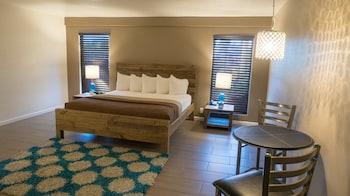 Thunderbird Hotel