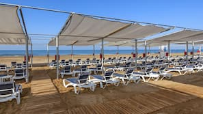 Private beach nearby, free beach shuttle, sun-loungers, beach umbrellas