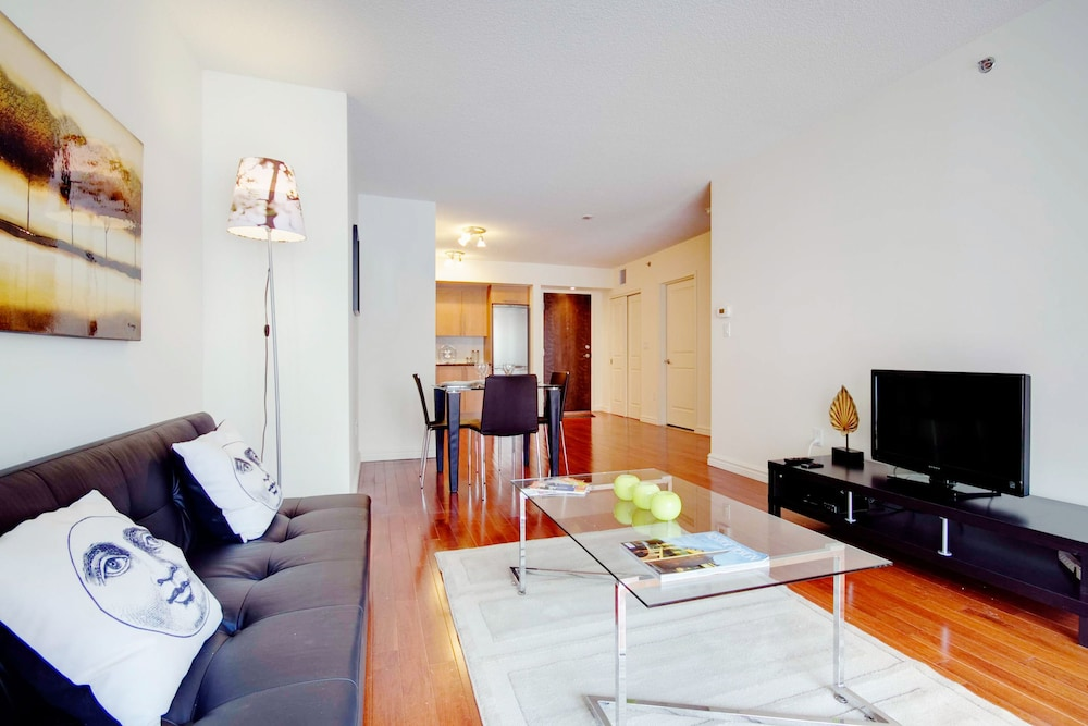 Le Living Room Montreal Reviews
