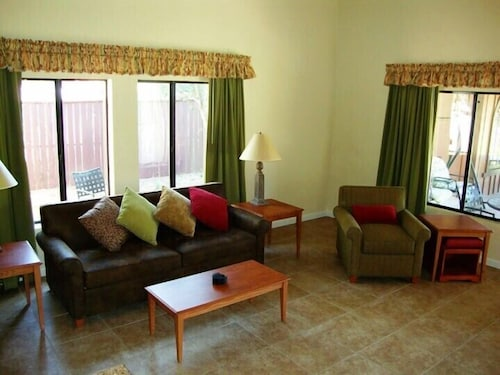 Living Area, Roundhouse Resort, a VRI resort