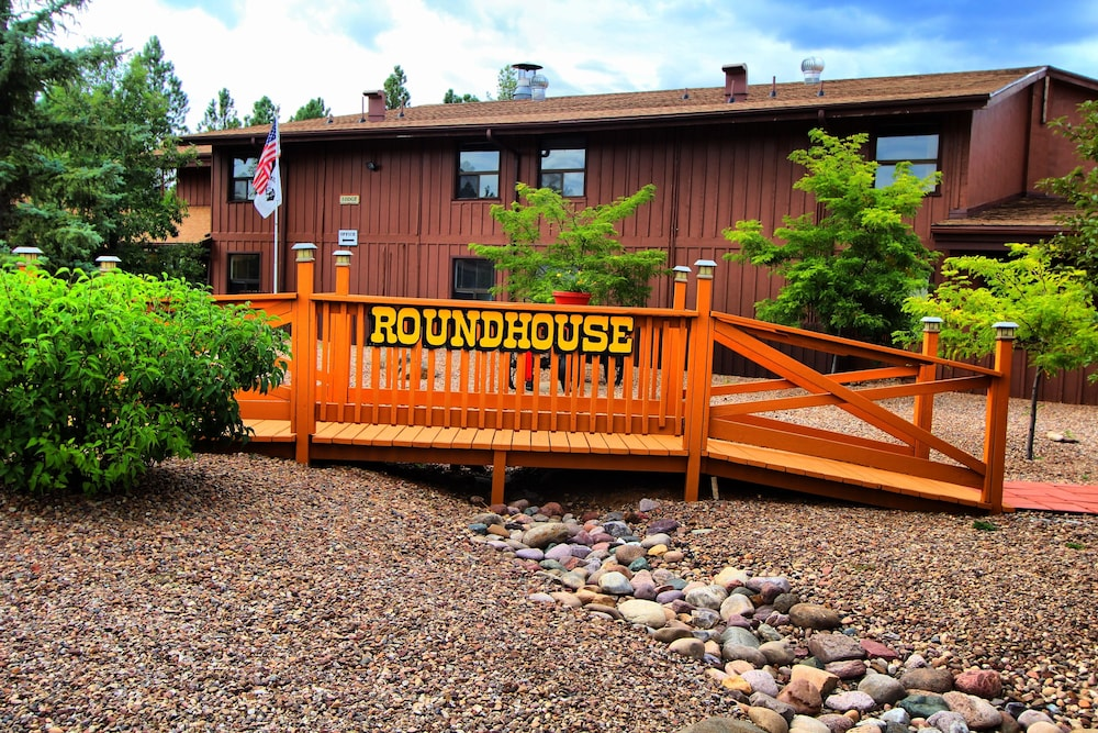 Front of Property, Roundhouse Resort, a VRI resort
