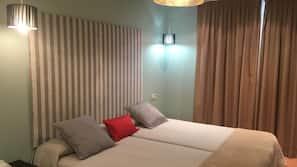 Safe på rommet, skrivebord, gratis wi-fi og sengetøy