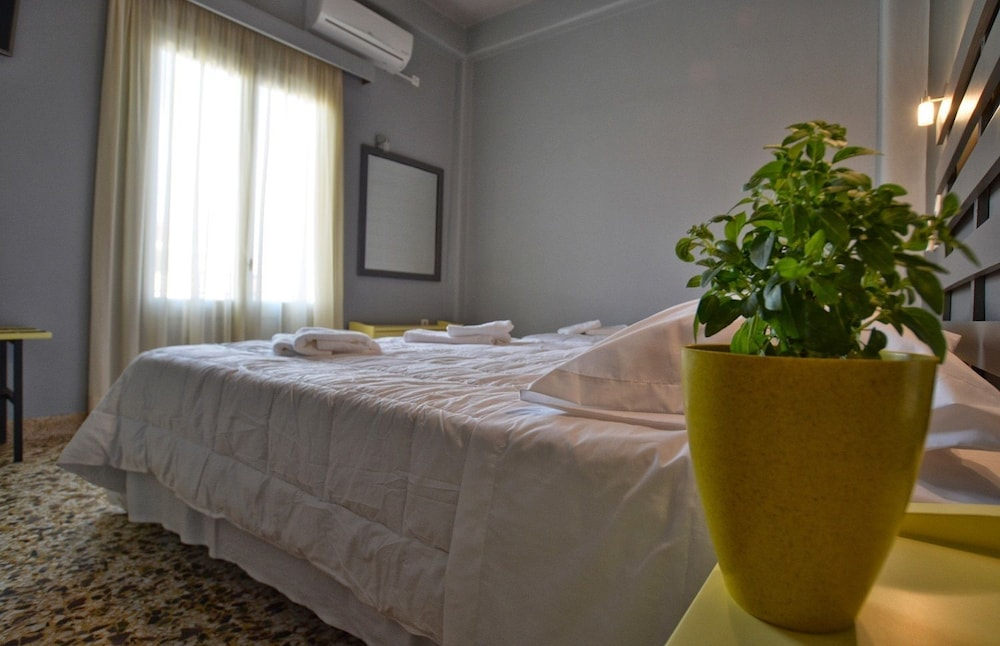 Room, Leonidaion Guest House