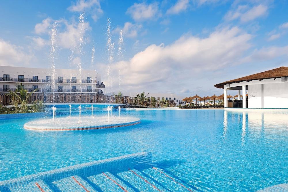 Meliá Dunas Beach Resort Spa All Inclusive Faciliteiten En Beoordelingen 2018 Expedia Nl