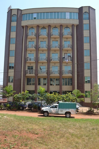 Hotels near Cameroon Airport: (BPC) Hotels with Free Airport Shuttle