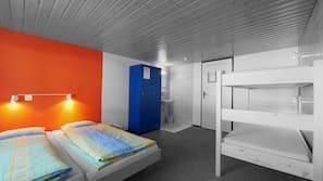 Premium bedding, in-room safe, blackout drapes, free WiFi