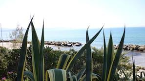 Spiaggia privata nelle vicinanze, lettini da mare, ombrelloni