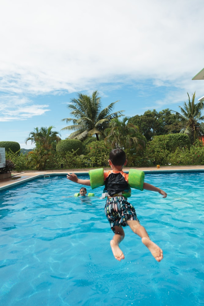 Children's Pool, Palasia Hotel Palau