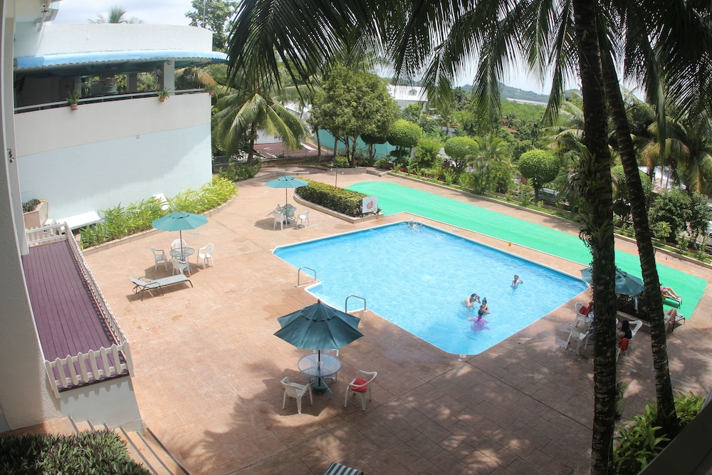 Outdoor Pool, Palasia Hotel Palau