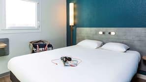 書桌、熨斗/熨衫板、免費嬰兒床、免費 Wi-Fi