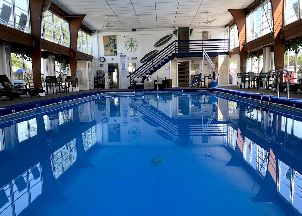 Indoor Pool, Hyannis Inn