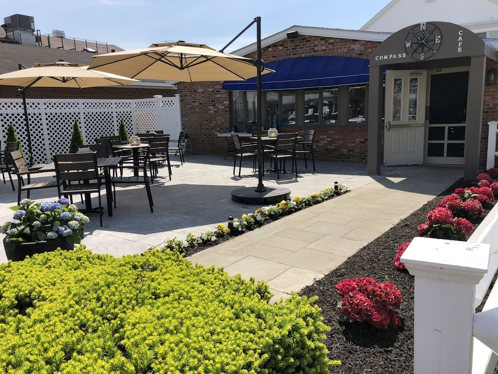 Terrace/Patio, Hyannis Inn