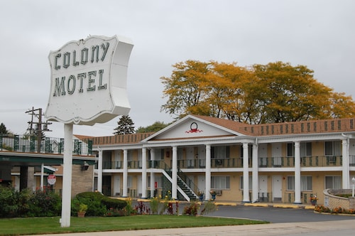 Colony Motel