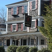 The Red Lion Inn Resort 1704