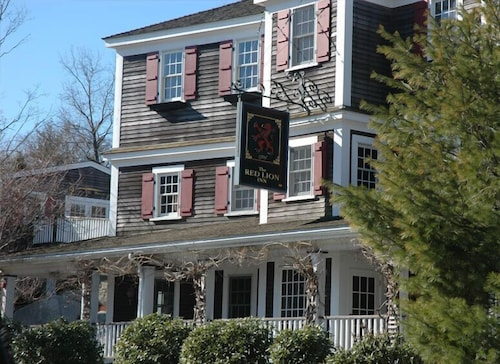 Great Place to stay The Red Lion Inn Resort 1704 near Cohasset