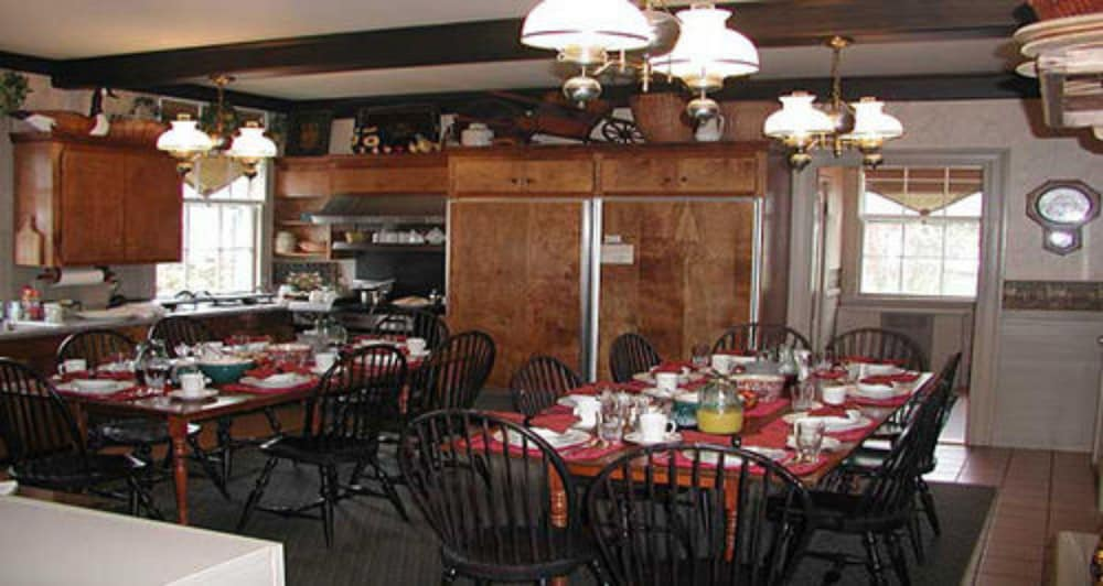 Dining, Kennebunkport Captains Collection