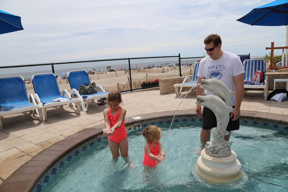 Children's Pool, The White Sands Oceanfront Resort & Spa