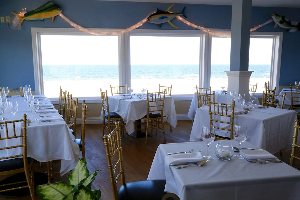 Dining, The White Sands Oceanfront Resort & Spa