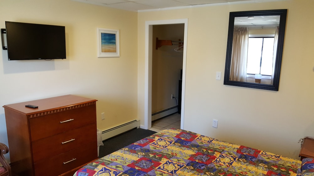 Room, Atlantic Motel