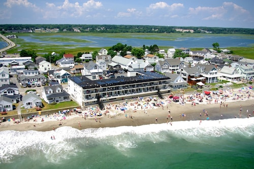 Atlantic Oceanfront Motel at Wells Beach, Maine