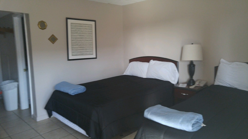 Room, NOLA-GOULA Inns & Suites