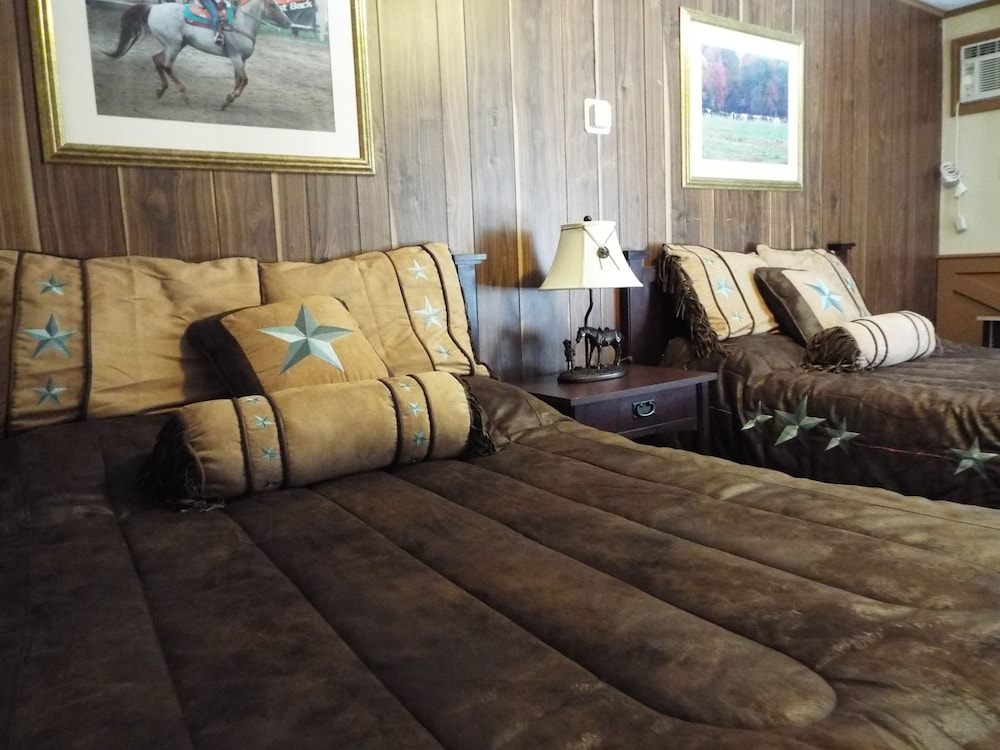 Room, Malibu Dude Ranch