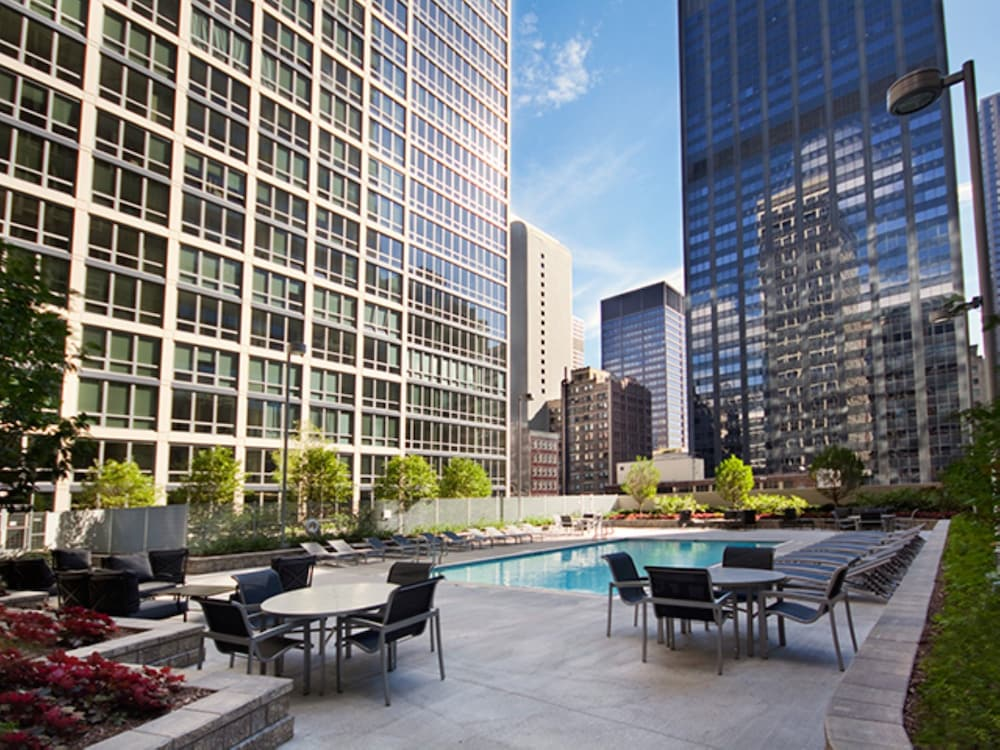 Global luxury apartments in chicago 2017 room prices for Fancy hotels in chicago