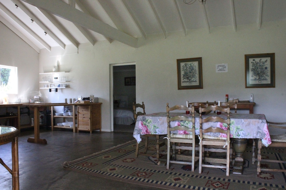 In-Room Dining, Beacon Vlei Guest Farm