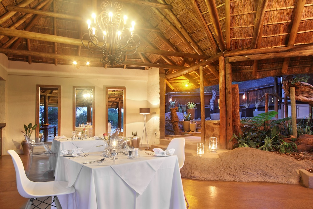 Dining, Itaga Luxury Private Game Lodge