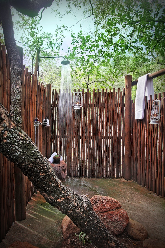 Bathroom Shower, Itaga Luxury Private Game Lodge