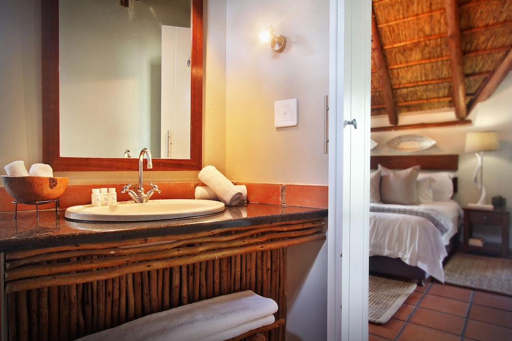 Bathroom, Itaga Luxury Private Game Lodge