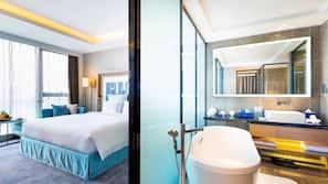 Premium bedding, in-room safe, desk, rollaway beds
