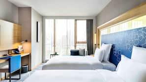 高級寢具、房內夾萬、書桌、摺床/加床 (收費)