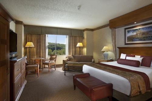 Great Place to stay Harrah's Cherokee Casino Resort near Cherokee