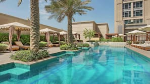 4 outdoor pools, open 7:00 AM to 11:00 PM, free pool cabanas