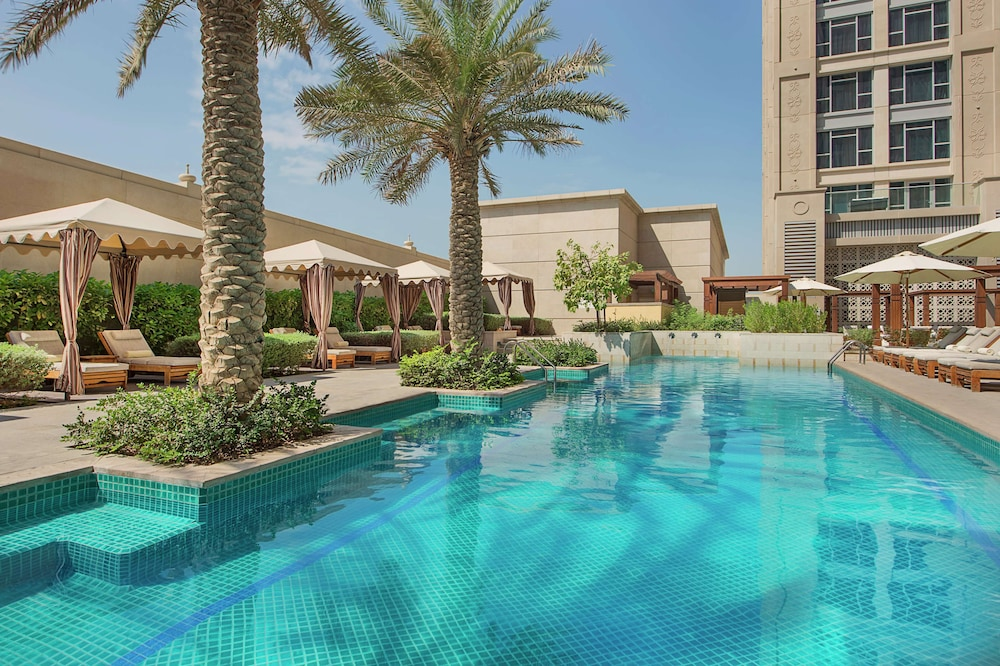 Pool, Hilton Dubai Al Habtoor City