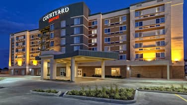 Courtyard Westbury Long Island