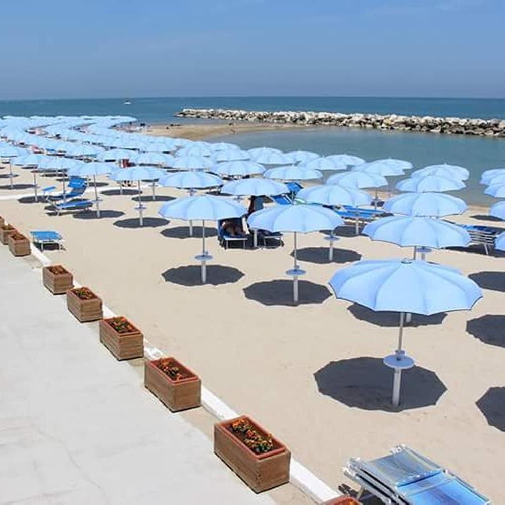 Book b b terrazza sul mare fano hotel deals - Terrazzi sul mare ...
