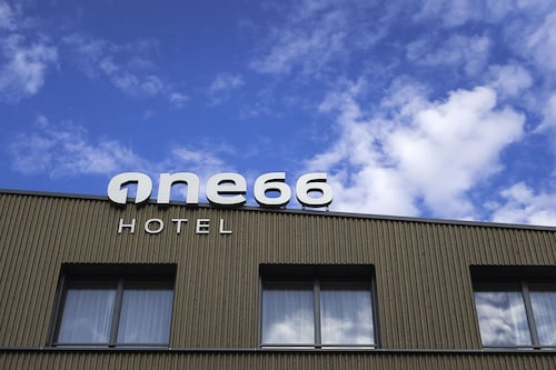 Hotel one66