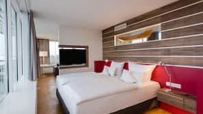 Hypo-allergenic bedding, minibar, desk, blackout drapes