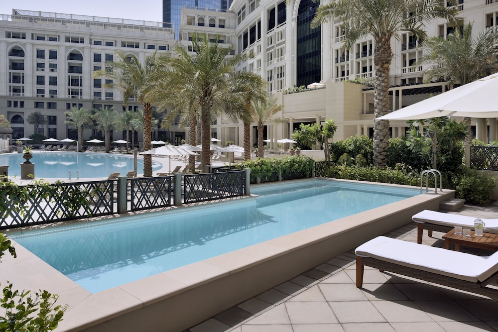 Book palazzo versace residences dubai hotel deals for Dubai hotel deals for residents