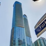 EG Suites - York St Condos 2 near CN Tower offered by Short Term Stays