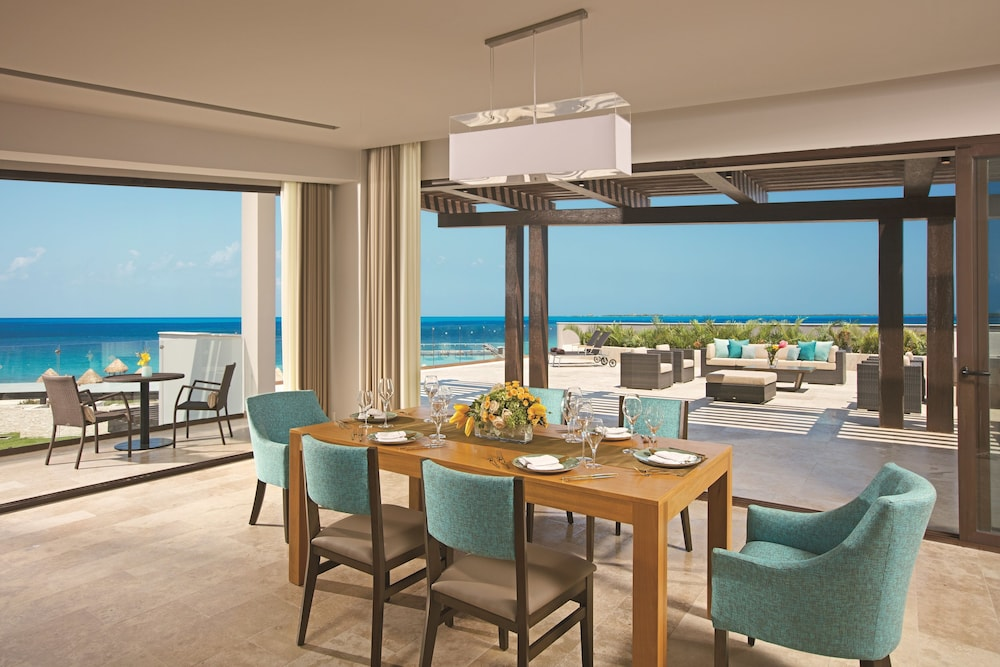 In-Room Dining, Dreams Playa Mujeres Golf & Spa Resort - All Inclusive