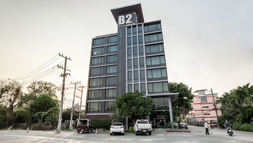 B2 Black Business & Budget Hotel