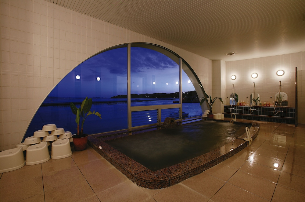 Indoor Pool, Hotel Limani