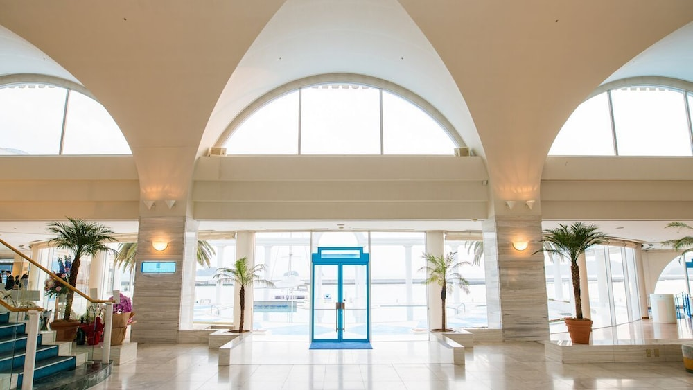 Interior Entrance, Hotel Limani