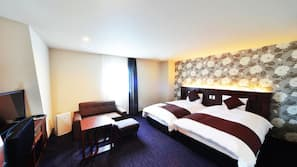 高級寢具、特厚豪華床墊、房內夾萬、書桌